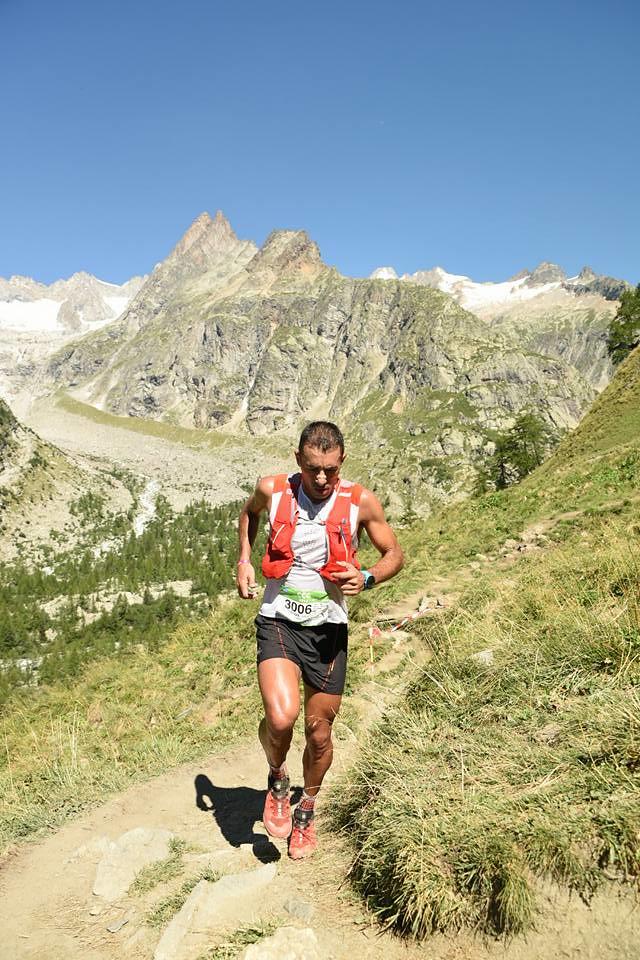 Ο Θεοδωρακάκος ανεβαίνοντας προς Grand Col Ferret | Photo (c): UTMB