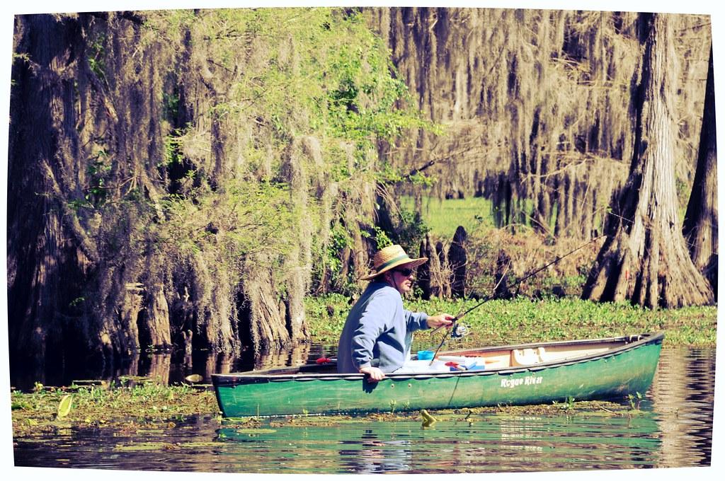 Canoe fishing moonglow lodge uncertain texas caddo lake st for Caddo lake fishing report