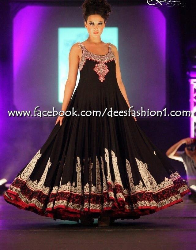 Pakistani Designer Clothing Replica Dees Fashion provides latest