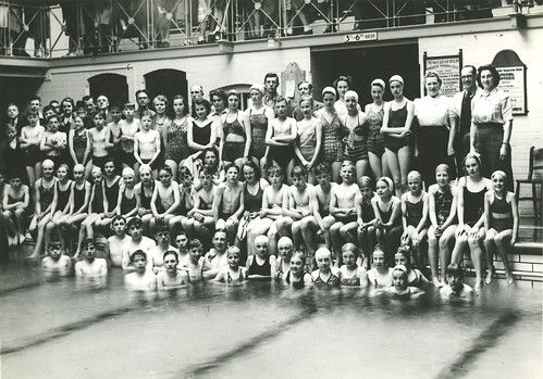 Unidentified swimming team we think this is macclesfield s flickr for Swimming pools in bishops stortford