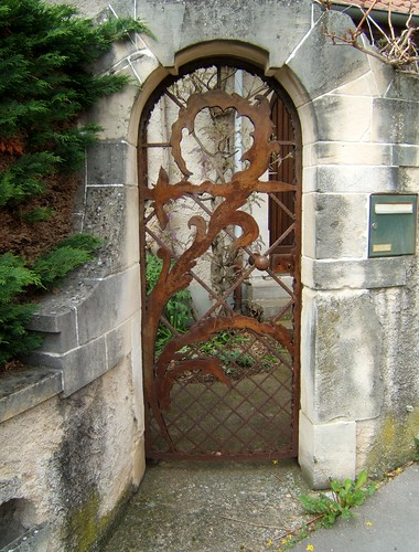 Une porte originale nancy mapnancy flickr for Porte originale