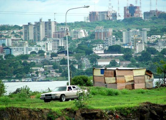 Maduro hizo pobres a casi 5 millones de venezolanos en sus dos primeros años de gestión