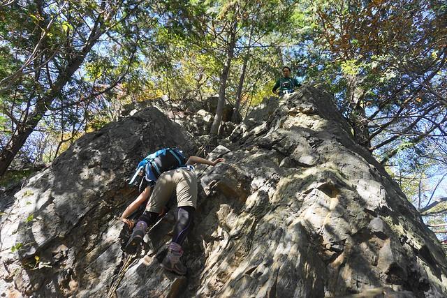古賀志山 中尾根コースの岩場