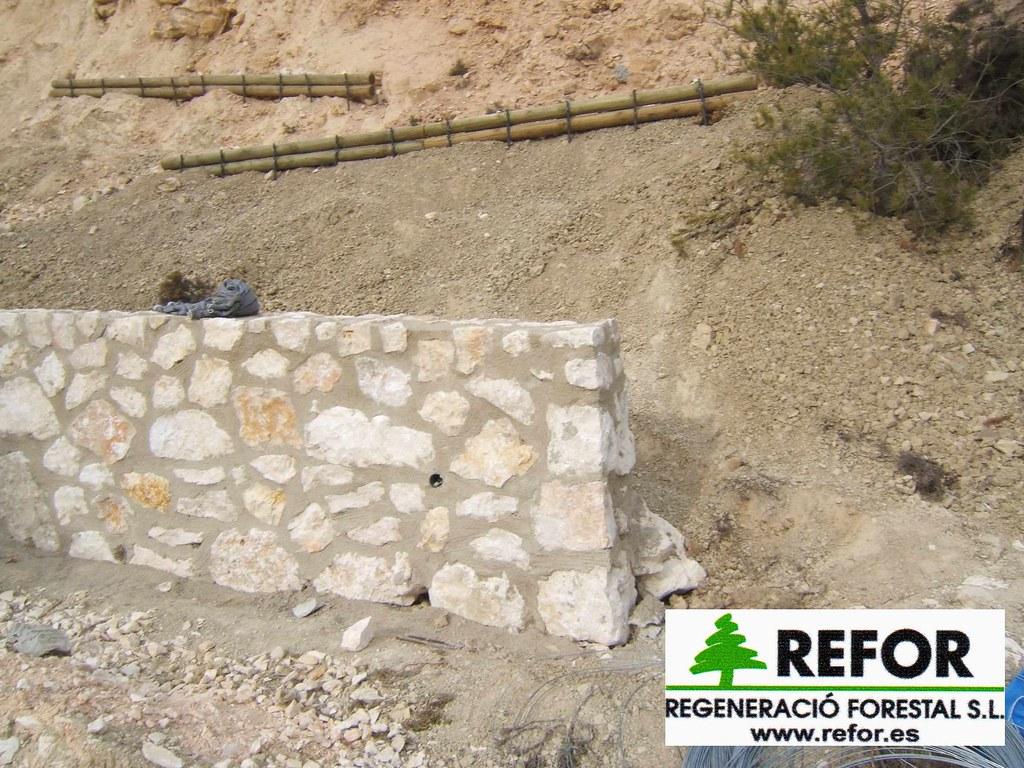 Construccion muros manposteria de piedra o ribazos para la - Piedras para construccion ...