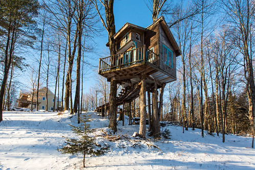 The Tiny Fern Forest Treehouse - Lincoln, VT - 2013, Feb - 06.jpg | by sebastien.barre
