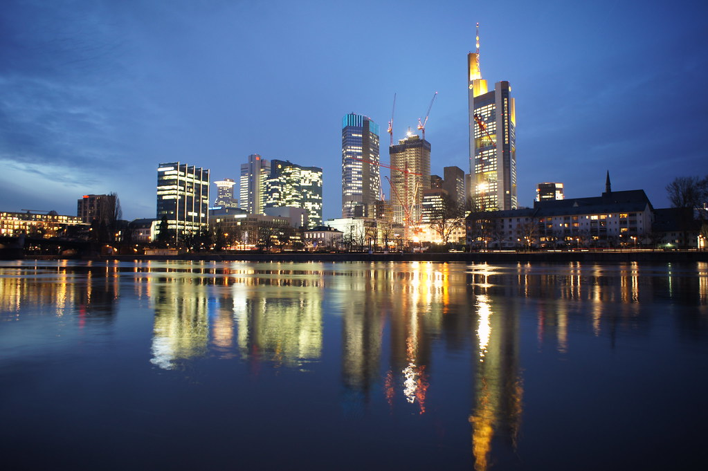 City frankfurt am main night city skyline the main for Innenarchitekt frankfurt am main