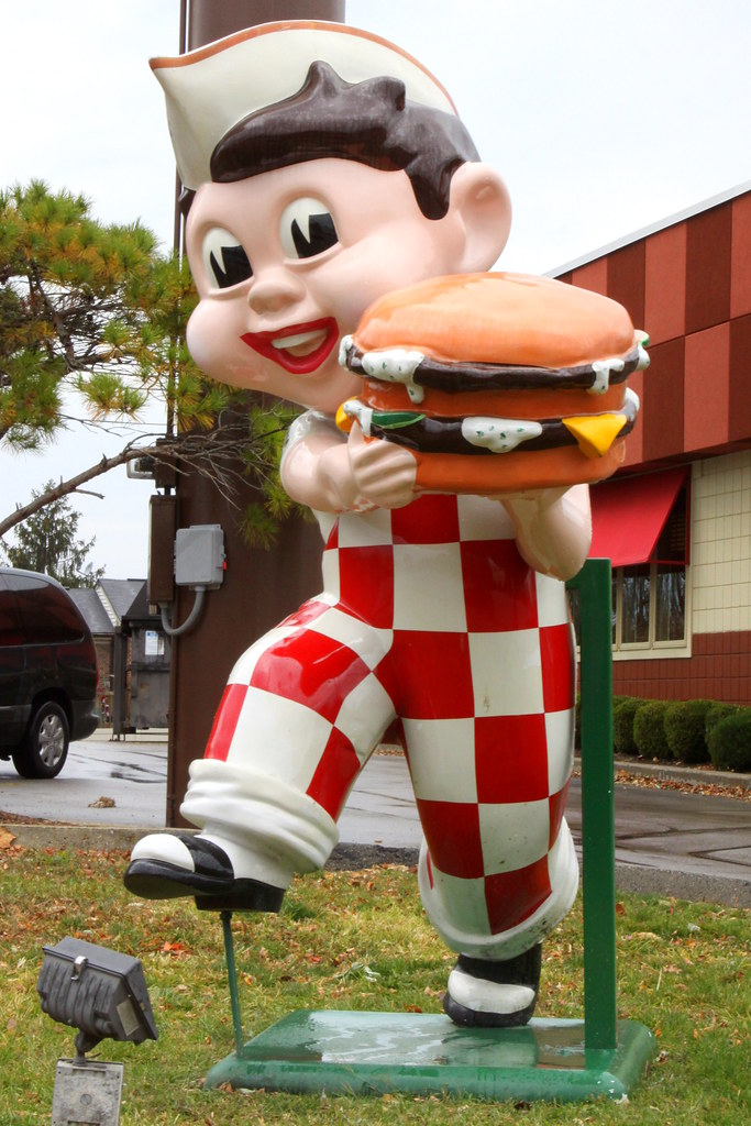 Frisch's Big Boy Statue | Depending on where you live in