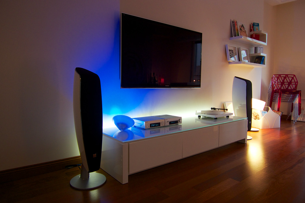 living room setup | media unit calligaris mag with custom le… | flickr