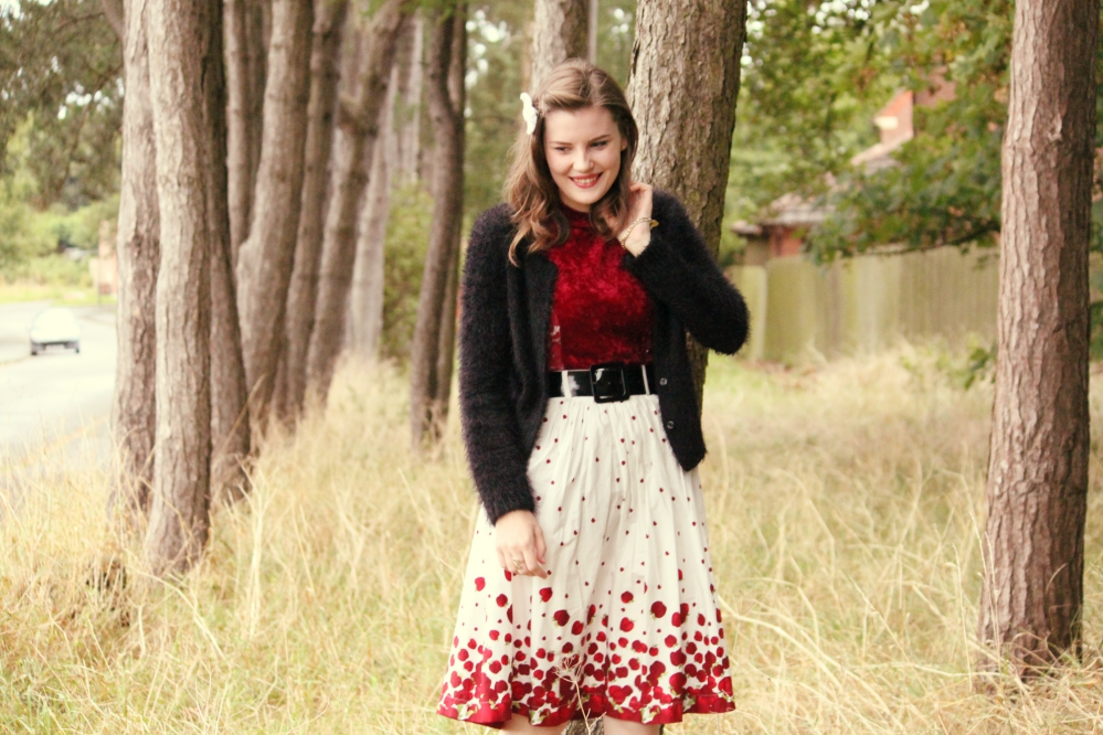 1950s inspired outfit via www.lovebirdsvintage.co.uk