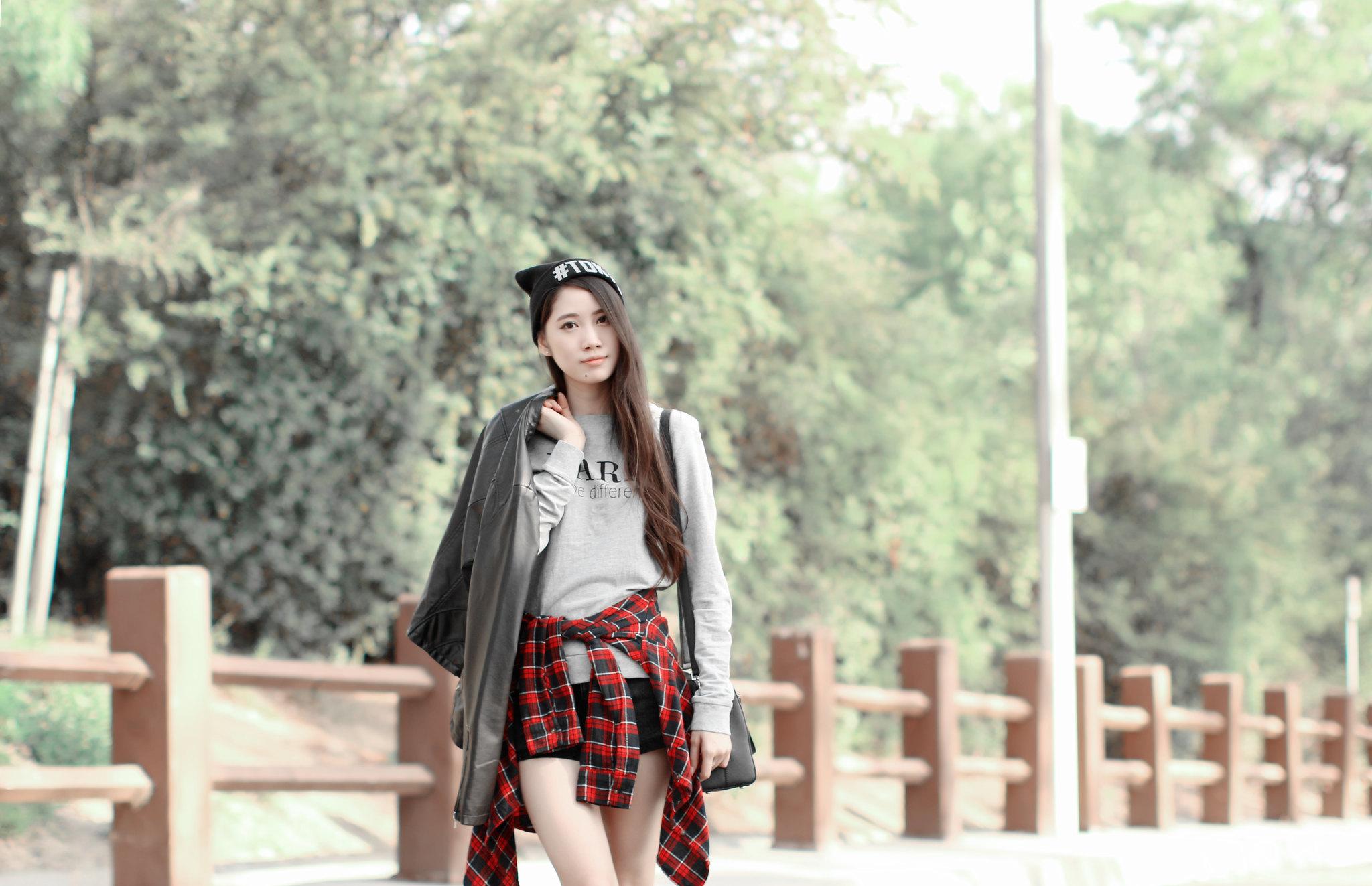 0649-sporty-chic-sweatshirt-ootd-fall2016-autumn-ulzzang-korean-fashion