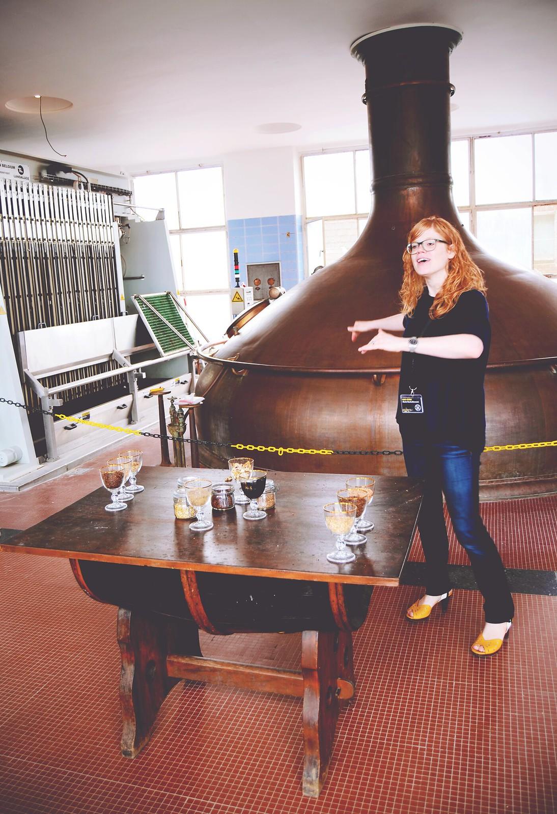 Biersommelier Marie Vanhellemont vertelt je bij brouwerij Het Anker alles over het goddelijke goud | via It's Travel O'Clock