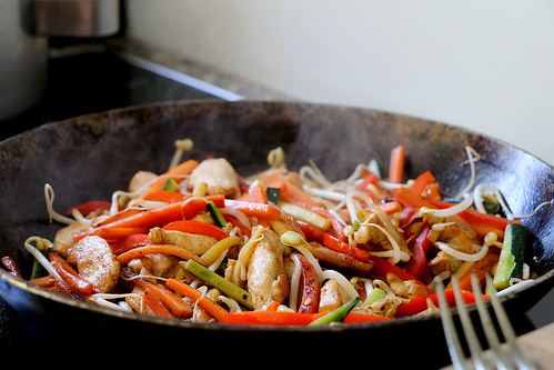 Homemade Pad Thai mit Chicken und Nudeln