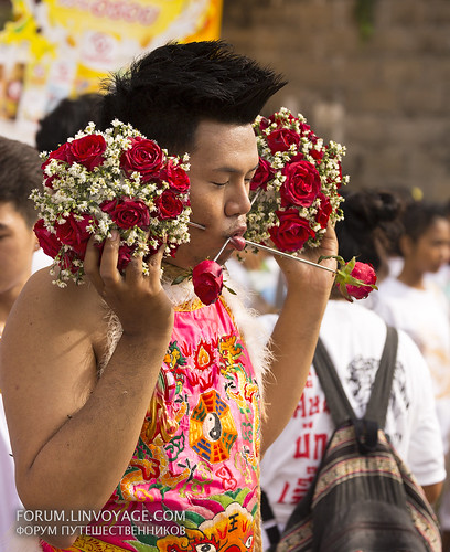 Flowers to you! Street procession. Phuket Vegetarian Festival. October, 2016. Phuket, Thailand | by Andaman4fun