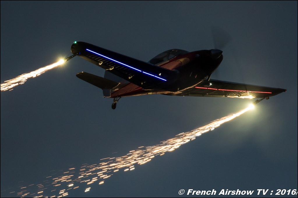 Sunset , Night Airshow , Patrouille swift , Team swift , Globe Swift CG-1B , Bell & Ross , Magnomeca ,22 ème meeting aérien international de Roanne , Meeting Aerien Roanne 2016, Meeting Aerien Roanne , ICAR Manifestations , meeting aerien roanne 2016 , Meeting Aerien 2016 , Canon Reflex , EOS System