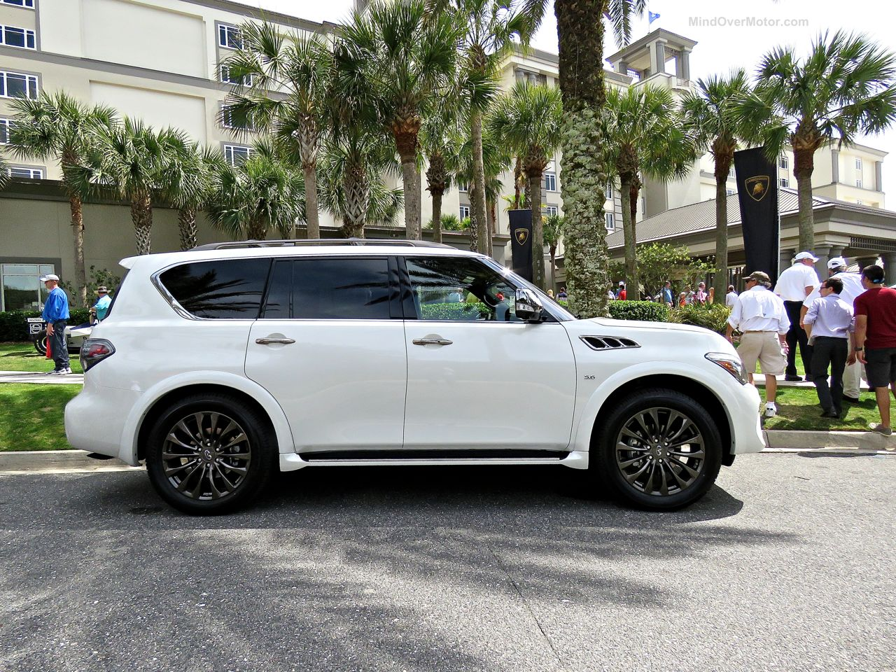 Infiniti QX80 Limited Review 6