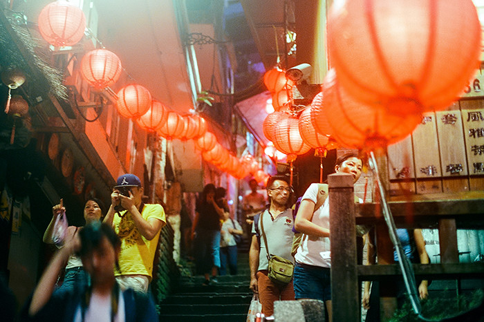 © 2016. Looking up the famous Jiufen steps. Monday, Sept. 5, 2016. CineStill 800T +2, Canon EOS A2.