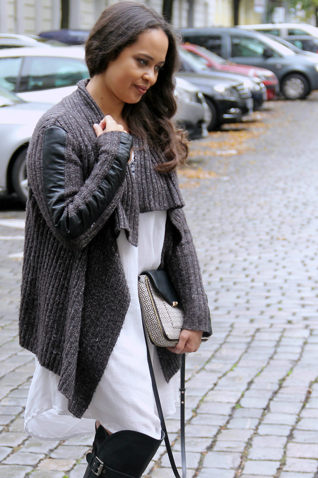 Orsay Knit, C&A Dress, JustFab Overknees, Stella & Dot Bag