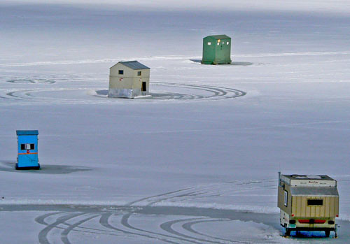 4 ice fishing houses high resolution fotos for sale you for Ice fishing shanty for sale