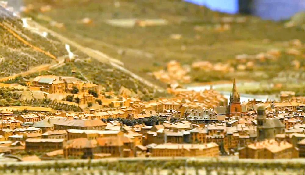 Le plan relief de la ville de grenoble otg migootv office de tourisme de grenoble flickr - Office de tourisme de grenoble ...
