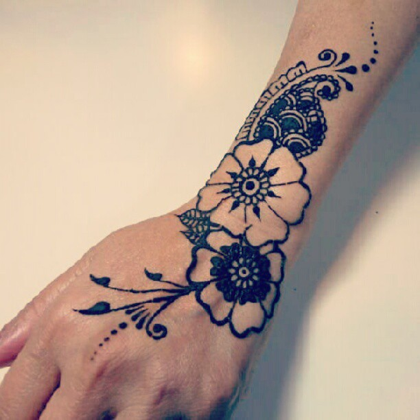 Henna Flower Wrist Designs: #henna #mehndi #tattoo #bodyart #india #paisley #peacock