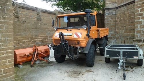 Unimog 406 Snow Plow | by Andy_BB