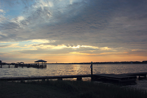 Little lagoon fishing dock the fishing pier by our hotel for Gulf shores pier fishing forum