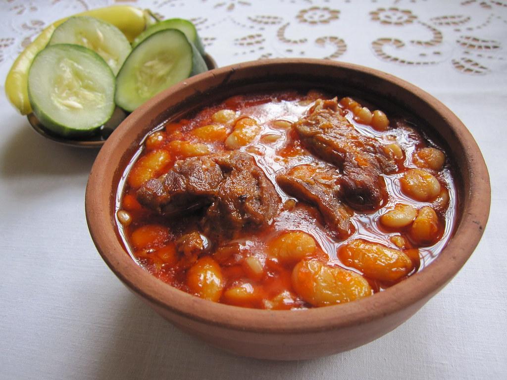 Pasul me mish p r m shum informata rreth k tij gatimi for Albanian cuisine kuzhina shqiptare photos