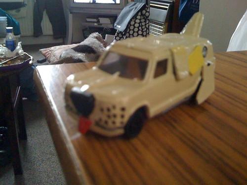 Dumb And Dumber Mutt Cutts Van Matchbox Sized Van
