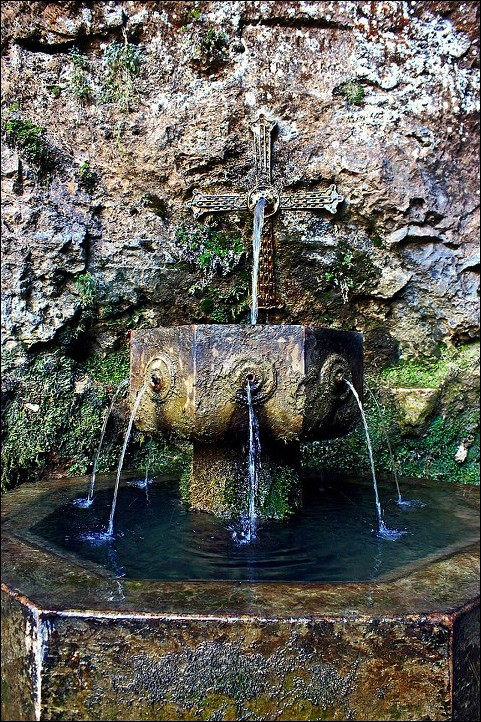 Asturias fuente de los siete ca os covadonga flickr - Fuente de los banos montanejos ...