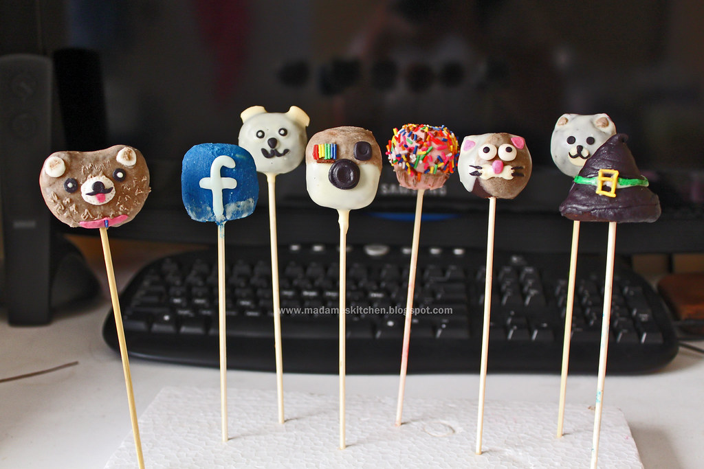 Cat And Dog Cake Pops