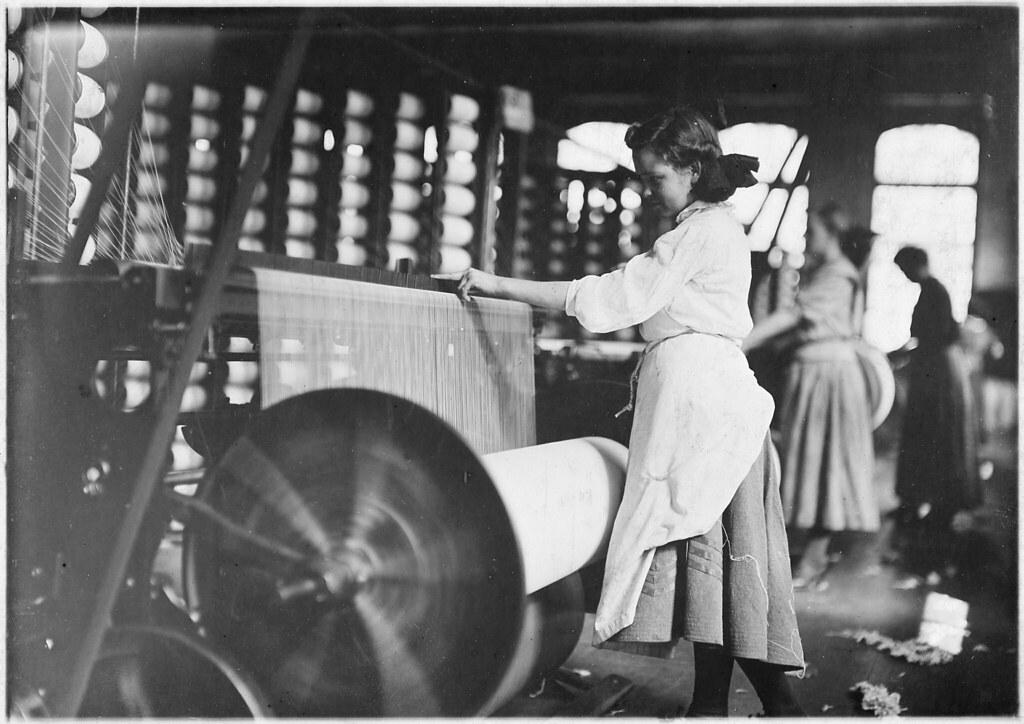 Lincoln Cotton Mills, Evansville, Ind Girls At Weaving Ma  Flickr-4985