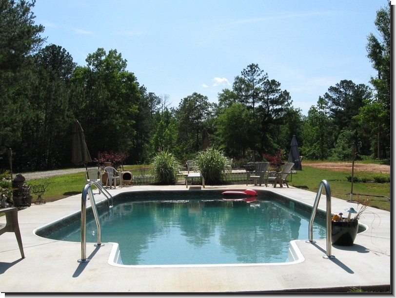Pool black algae removal the next part of your pool - Black algae removal swimming pool ...