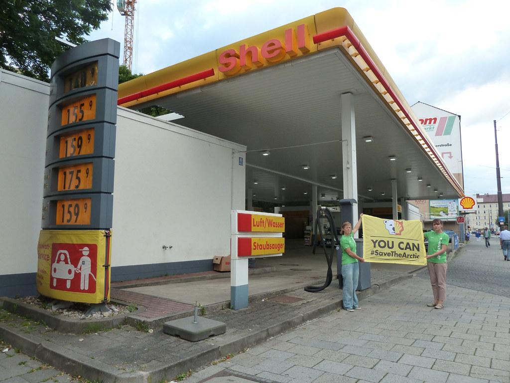 Shell Tankstelle München : 120719 greenpeace muenchen protest vor shell tankstelle gr flickr ~ Eleganceandgraceweddings.com Haus und Dekorationen