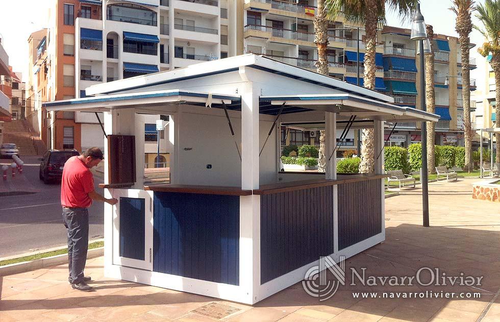 Kiosco de prensa caseta modular de 10 m2 construida en for Kiosco de madera para jardin