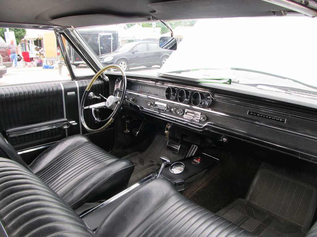 1965 Pontiac Parisienne Custom Sport Coupe Gm Dealer Day O