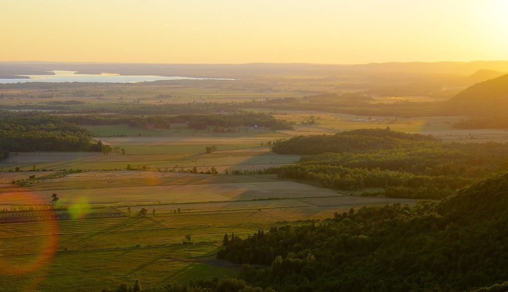 Mellow Yellow Sunset from Champlain Lookout | I took a ...
