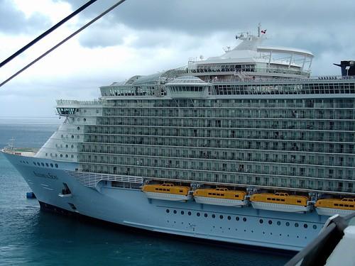 gr tes c s schiff der welt allure of the seas royal car flickr. Black Bedroom Furniture Sets. Home Design Ideas