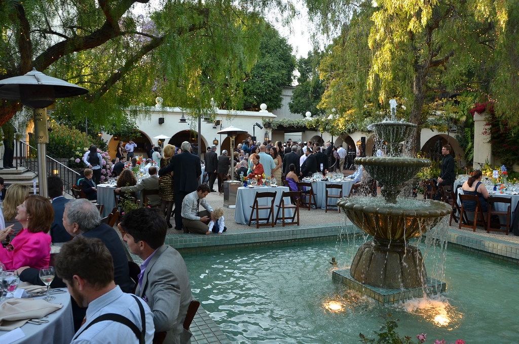 Dining By The Fountain Los Angeles River Center Gardens Flickr