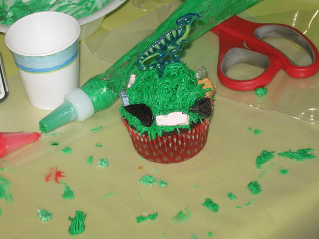 Cupcake Decorating Sharon Olson taught the teens how to ...