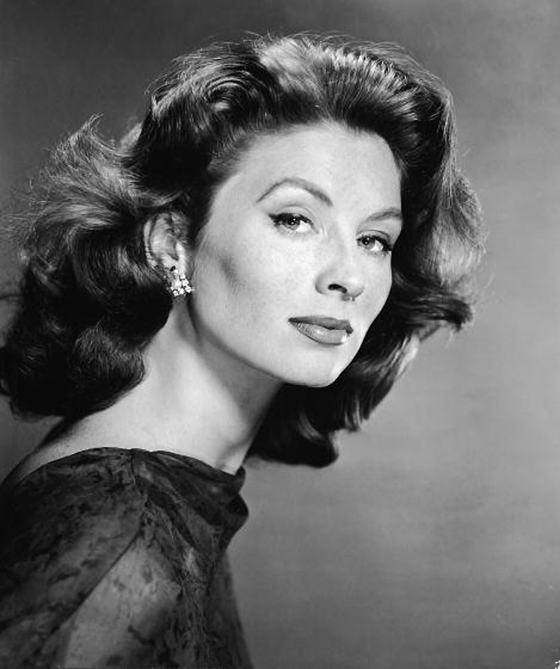 Suzy Parker The Beautiful Suzy Parker Taken In 1962 Age