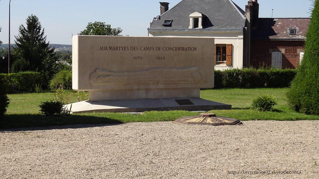 Dsc01320 313 ville de laon monument aux morts cette for Horaire piscine laon