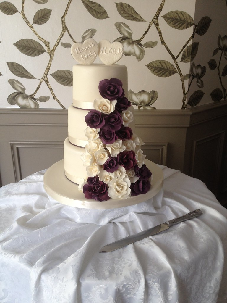 Cotswolds Wedding Cakes