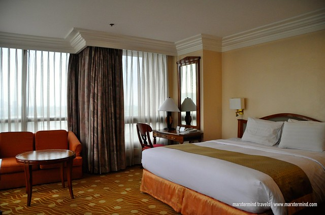 2-bedroom Suite at Holiday Inn Manila Galleria