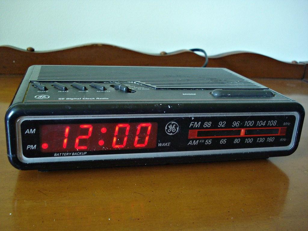1980s Ge Digital Clock Radio Model No 7 461213k13 Flickr