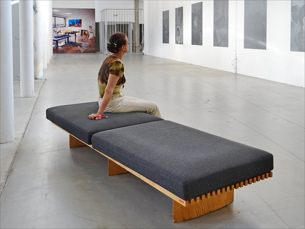 la banquette t ky palais de tokyo paris le niveau bas flickr. Black Bedroom Furniture Sets. Home Design Ideas