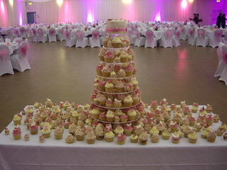 Some rather lovely butterfly cupcakes for a wedding at The Centre, Slough recently. | by The Foxy Cake Company