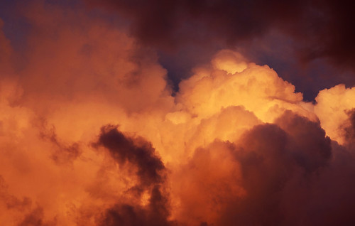 Clouds on fire | by Vindeloev