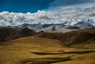 Himalayas range via La-lung La pass, Tibet | by BirDiGoL