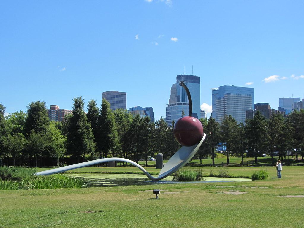 Minneapolis Sculpture Garden Claes Oldenburg Coosje Van Flickr