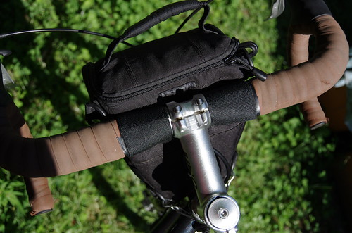Lowepro Toploader zoom 50 AW on a bike | by P..Y